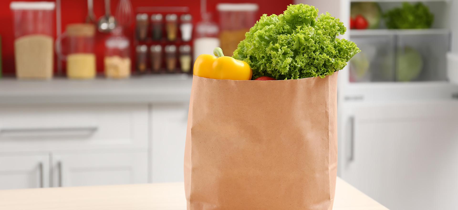 Sac de papier ou sac de plastique compostable… lequel choisir pour la collecte?
